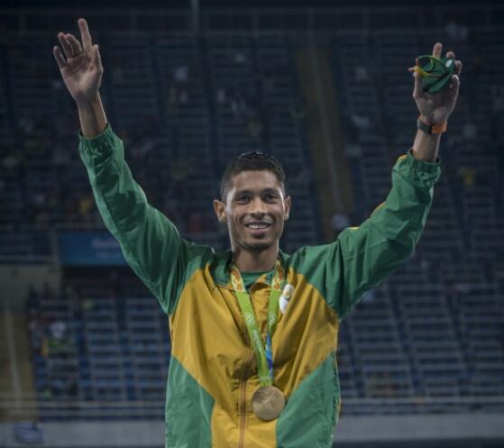 Van Niekerk shines at SA Sport Awards